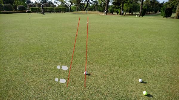 ゴルフ場でのパター練習